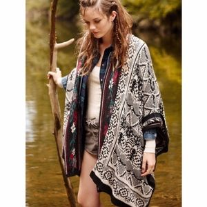 Urban Outfitters | Ecote | Oversided Poncho | OS
